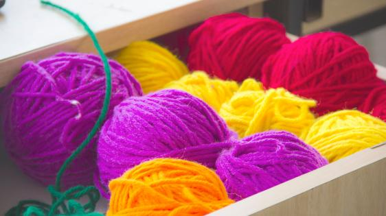 Picture of colorful balls of yarn